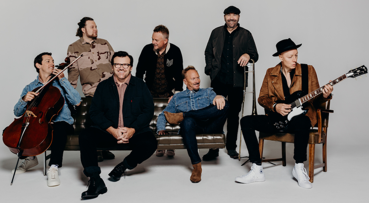NEWSONG AND CROWDER JOIN FORCES FOR THE \'VERY MERRY CHRISTMAS TOUR ...